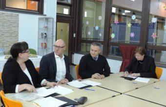 Kooperationsvertrag mit TUI und IHK 1