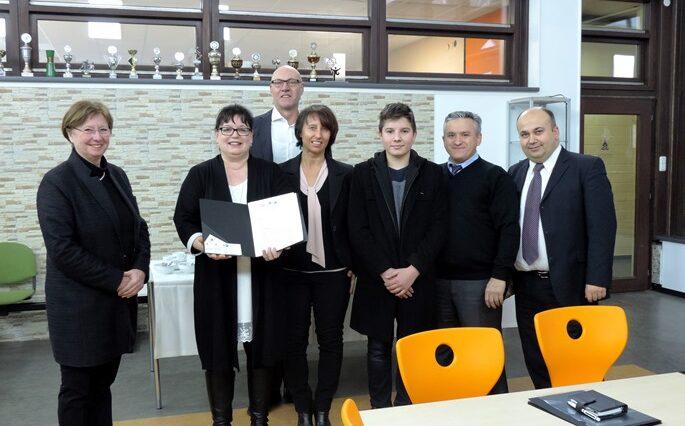 Kooperationsvertrag mit TUI und IHK 3