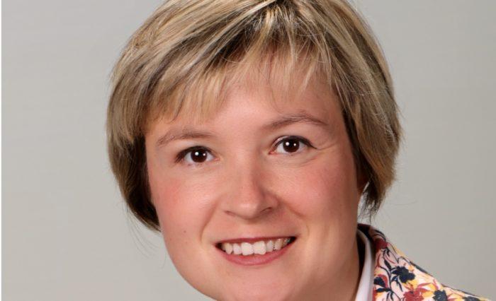 Frau Kovaleva-R